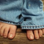 Заговор на больные ноги при любой боли