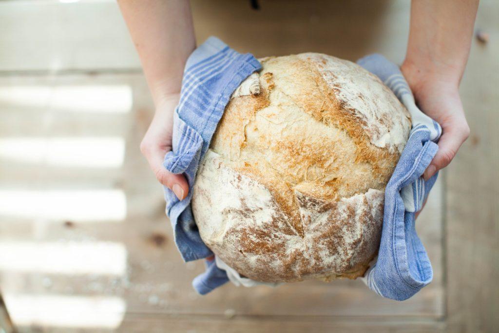 Ритуал на хлеб при болях в суставах