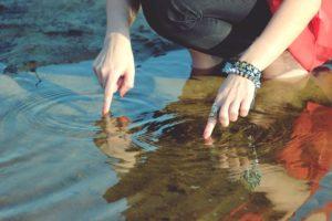 Ритуал на воду чтобы поскорее забыть человека