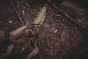 Заговор на нож от неприятностей на работе
