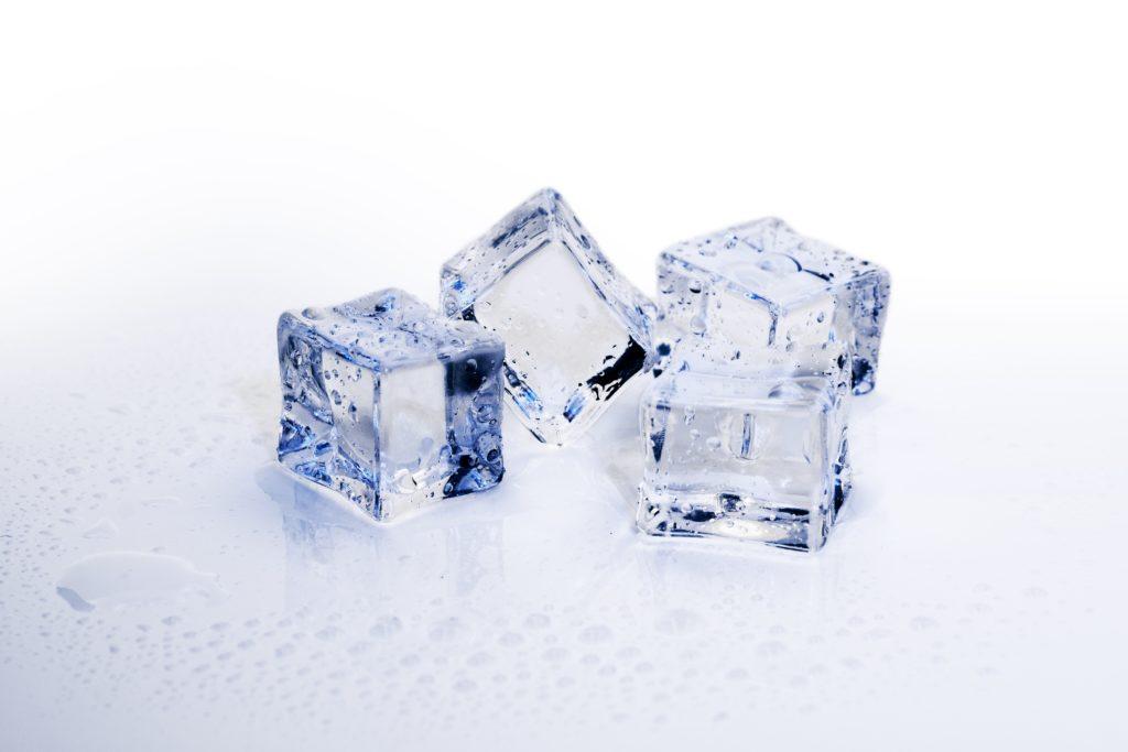 Шепоток на лед при ушибе чтобы синяка не было