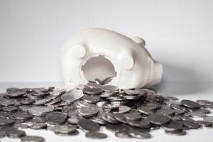 Как заговором откупиться от бедности