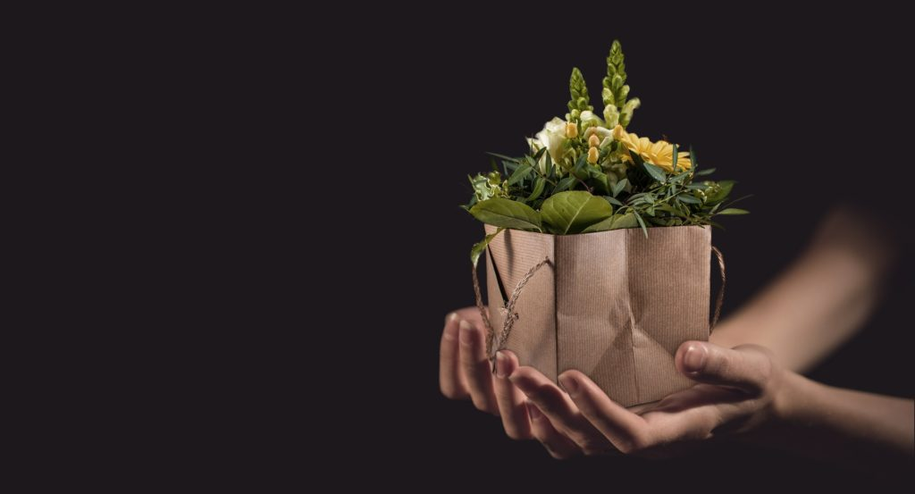 Чтобы подарок не от чистого сердца не навредил