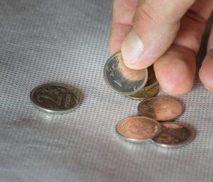 Заговор на монетку, чтобы дети ничего не теряли