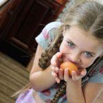 Секрет заговаривания грыжи яйцом
